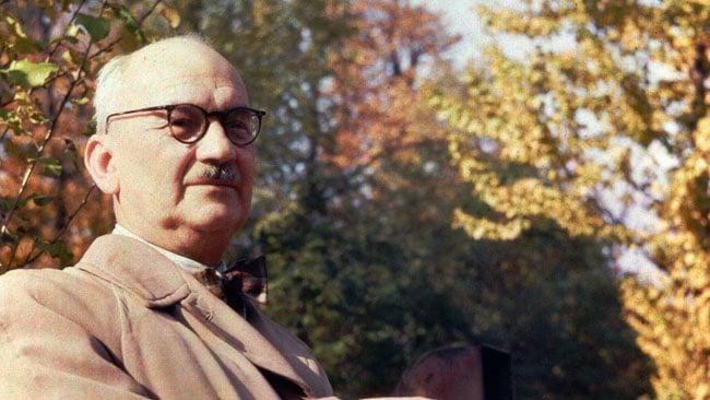 1956_Dufaycolor_photo_of_Polish_physicist_Wojciech_Rubinowicz_by_Wikipedia_user_Szczebrzeszynski.jpg