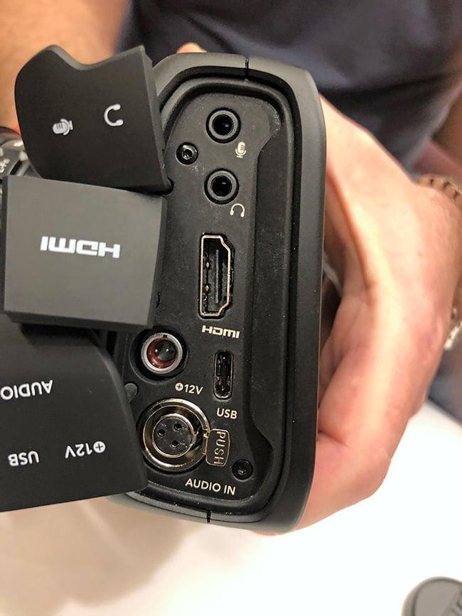 4K-Pocket-cinema-camera-side.jpg