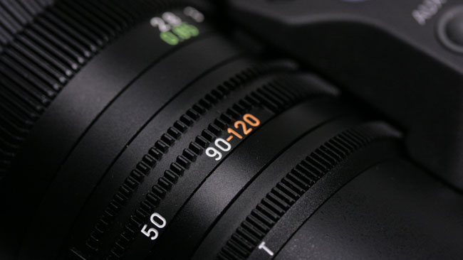 Aperture_ramps_slightly_beyond_90mm_but_the_extra_focal_length_is_worth_it.JPG