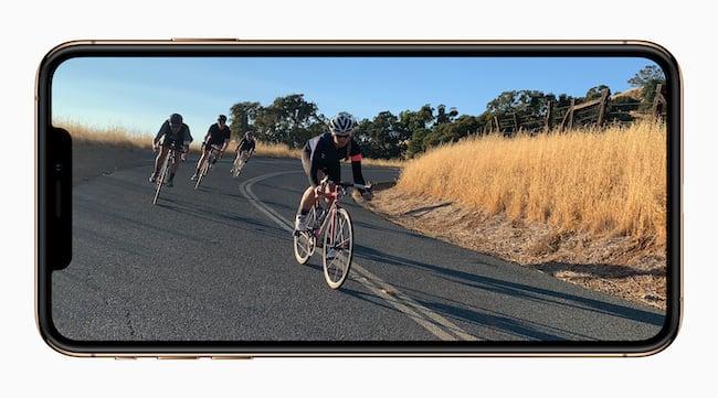 Apple-iPhone-Xs-gold-video-screen-09122018.jpg