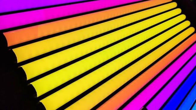 Colour-mixing LEDs in a form factor  imitating a fluorescent tube, from Quasar Science