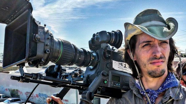 DP_Adrien_Sierkowski_operating_with_the_Canon_7-63mm_zoom._Proper_equipment_can_make_handheld_operating_look_very_different.jpg