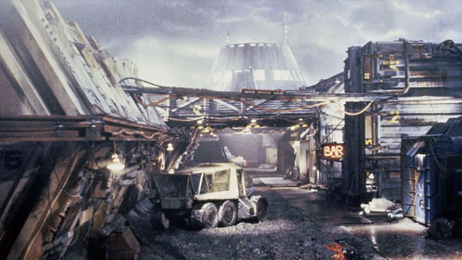 In_this_behind-the-scenes_shot_the_colony_miniature_built_for_Aliens_looks_like_a_good_miniature.jpg