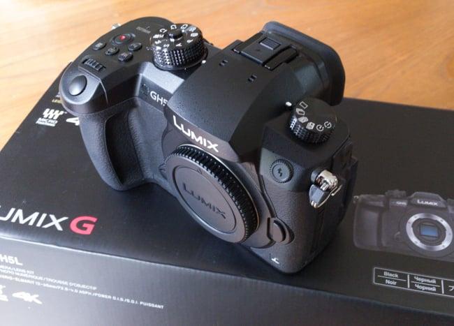 Panasonic_GH5_Unboxing-4.jpg
