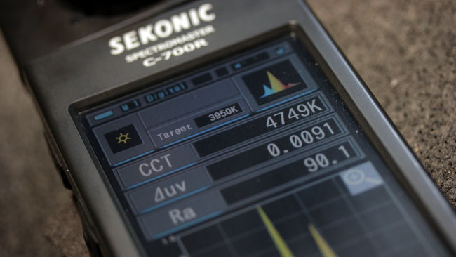 Sekonics_C700R_colour_meter_produces_numbers_that_can_be_used_to_calculate_correction_gels.JPG