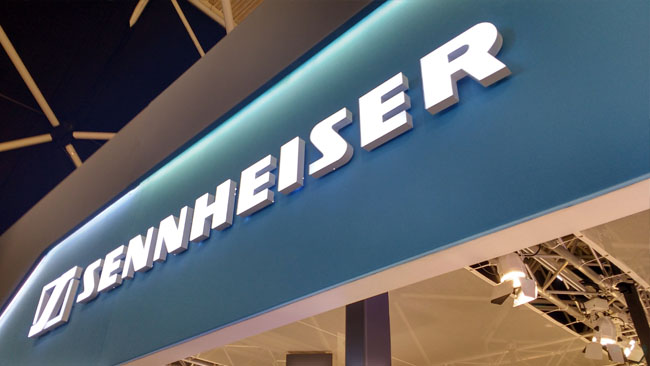 Sennheiser_announced_Ambeo_a_collection_of_technologies_aimed_at_three-dimensional_audio_for_VR_and_AR_in_early_2016.jpg