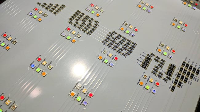 The_Rosco-DMG_light_includes_LEDs_of_six_different_colours