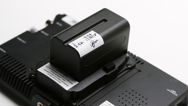 The monitor takes Sony NP-F style batteries as supplied, but various screw holes support other options.JPG