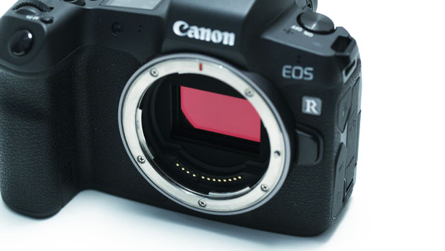 The shallow FFD of the RF mount is clear in this photo of the EOS R.JPG