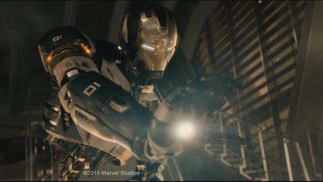 Ultron_-_Iron_Man_small.jpg