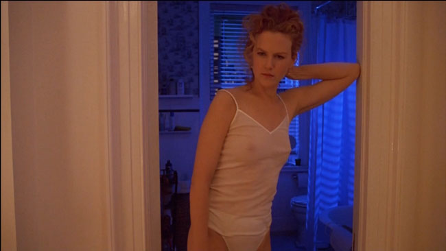 Ways_to_make_your_movie_look_warm_-_cast_a_redhead_and_use_contrasting_blue_light._From_Eyes_Wide_Shut.jpg