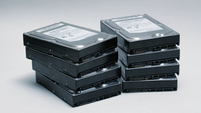 With modern disks, an array of  eight devices can handle demanding uncompressed workflows if need be