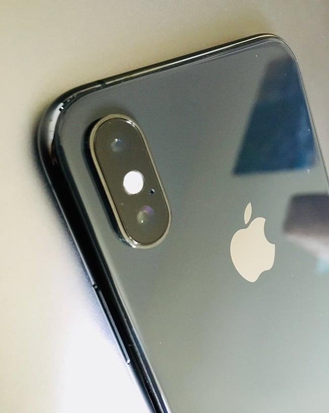 iPhone Xs Impressions camera.jpg