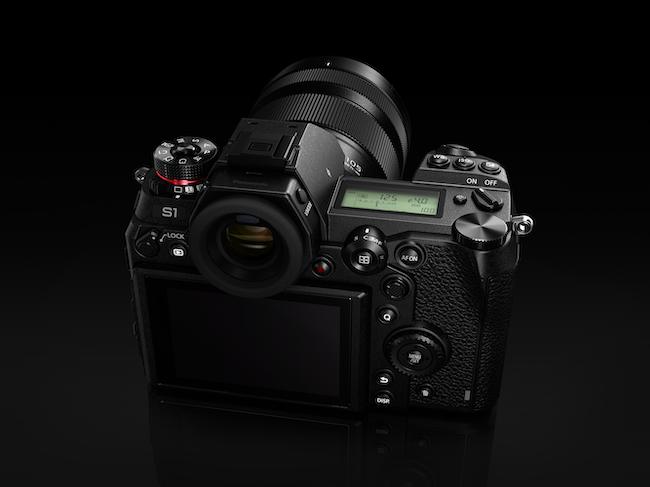 panasonic-full-frame-lumix-s1-kit2-976650.png