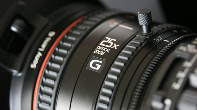 rsn_PXW-X180_lens.JPG