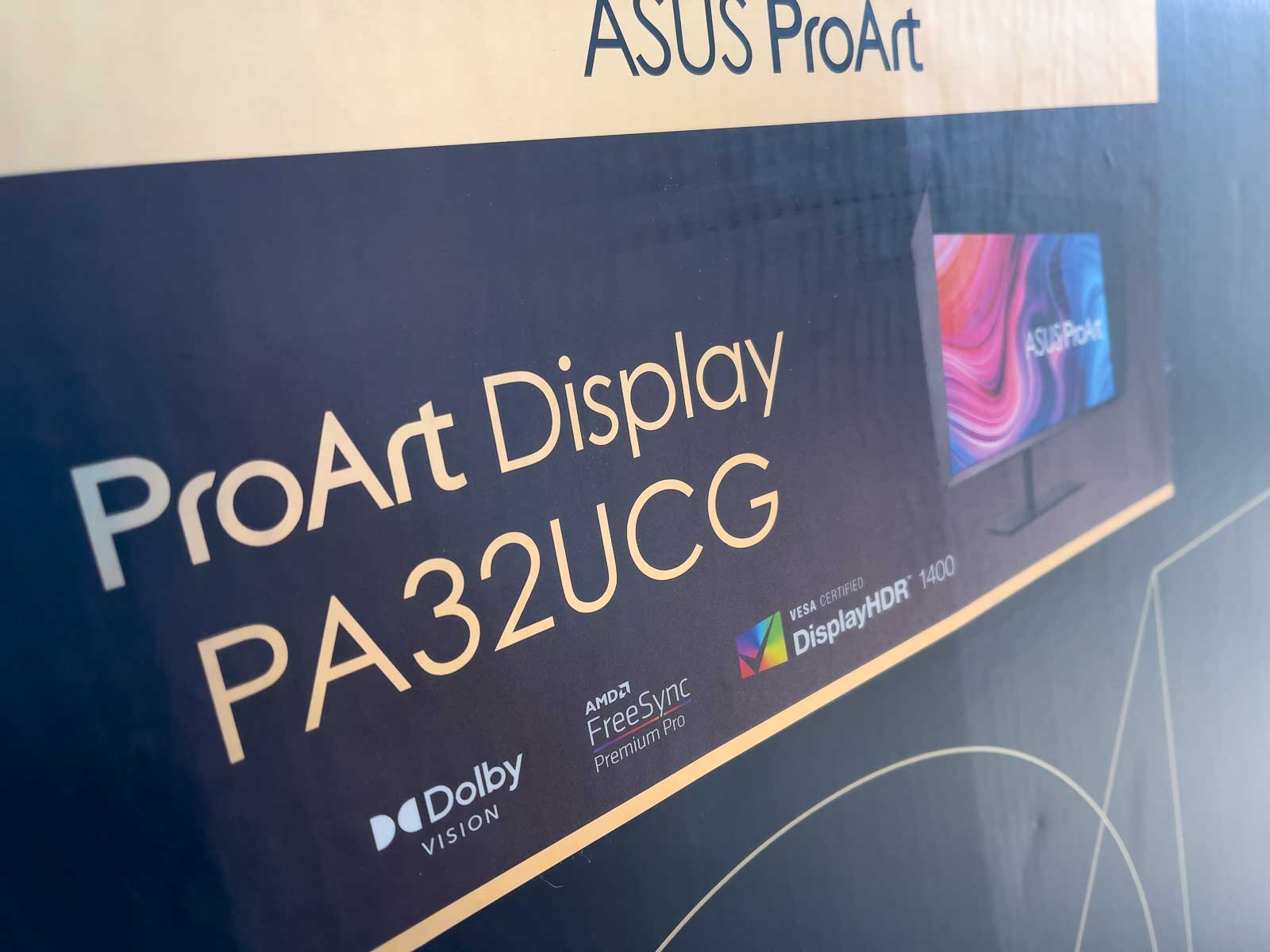 ASUS PA32UCG unboxing