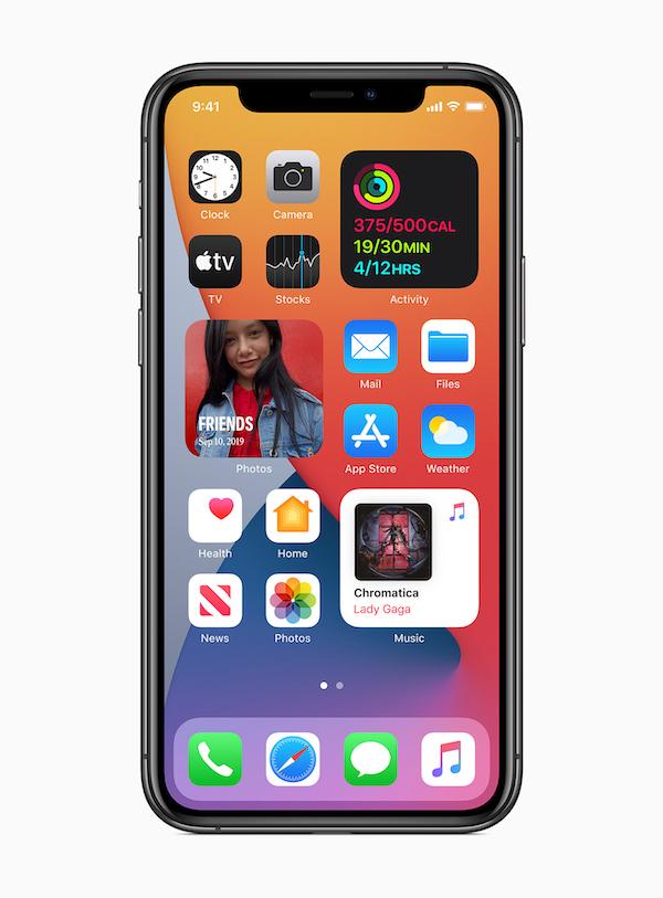 Widgets on iOS14. Image: Apple.