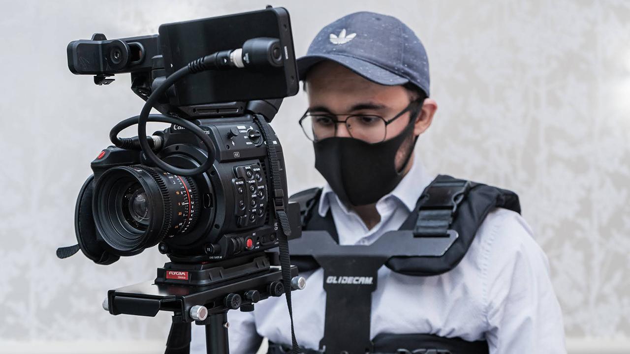 Sohrab Jafarzadeh preparing to film with full gear. Image: Artem Koker.