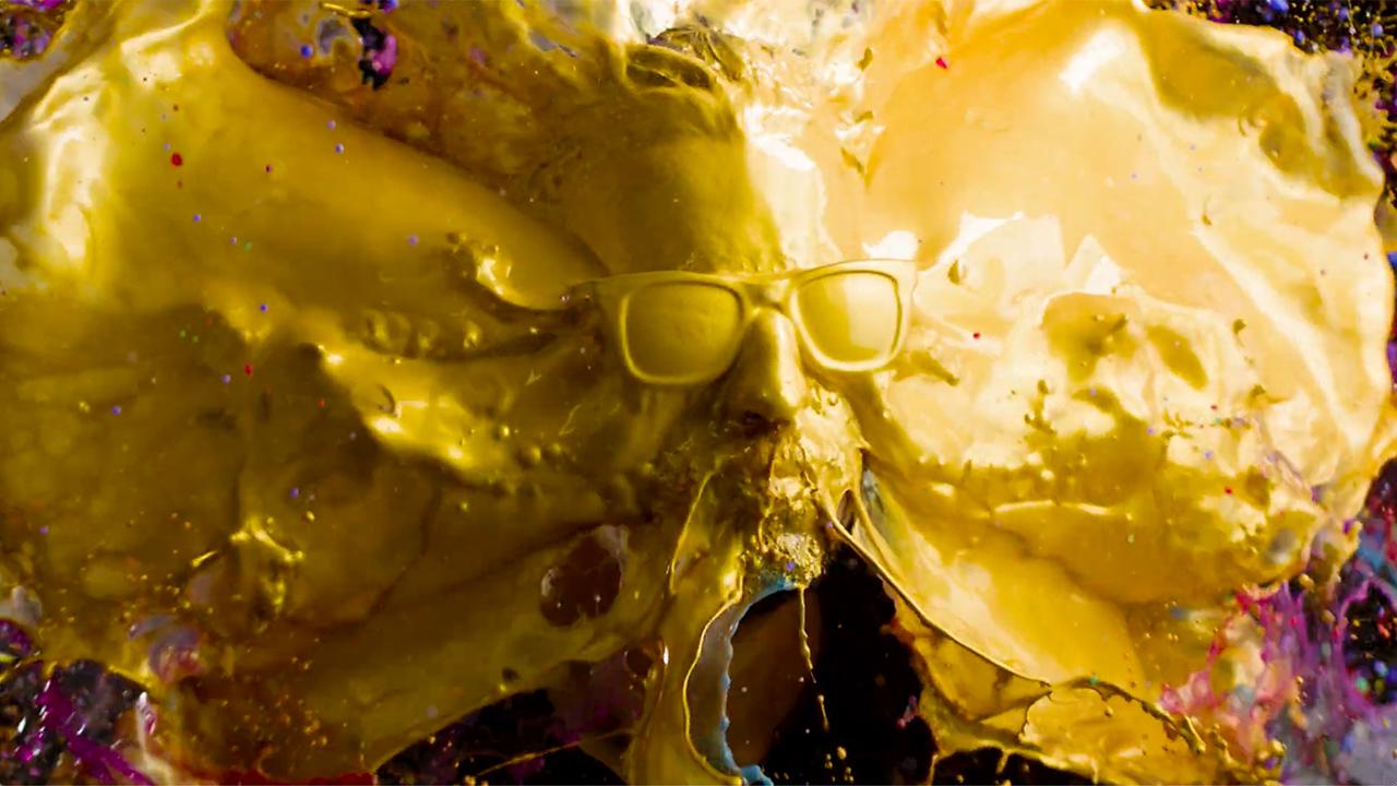 Ben Ouaniche paints in slow motion.