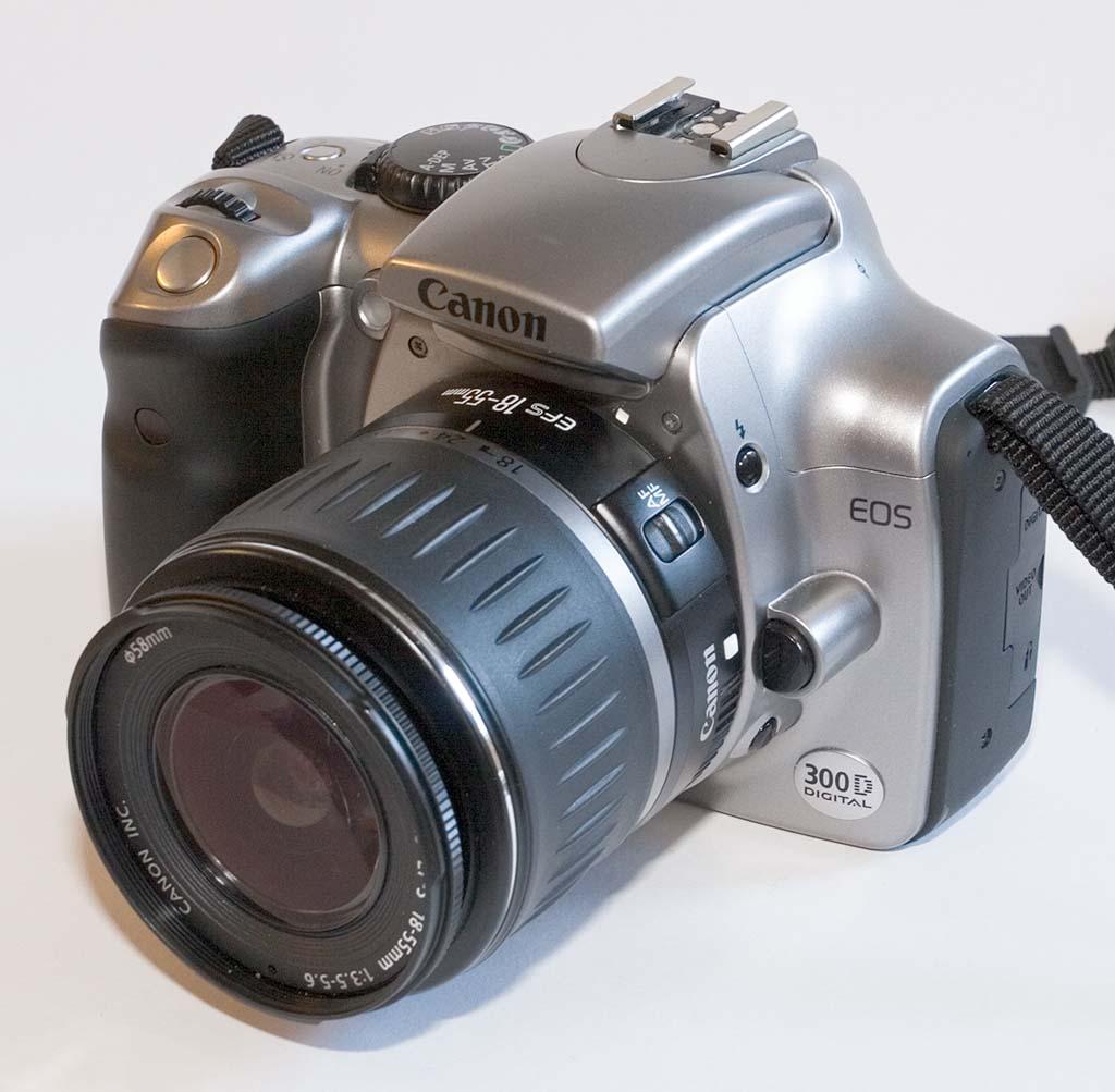 Canon EOS 300D.