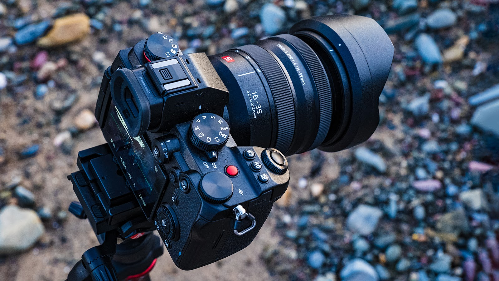 A first hands on with the Panasonic S5 mirrorless camera.