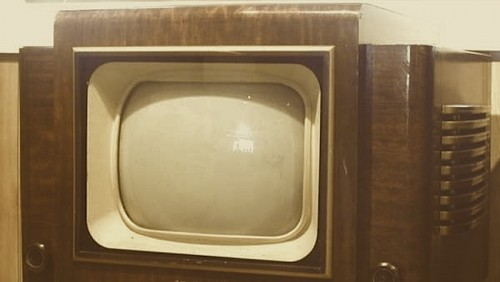 A Grammont 819-line set, circa 1951. Image http://www.earlytelevision.org