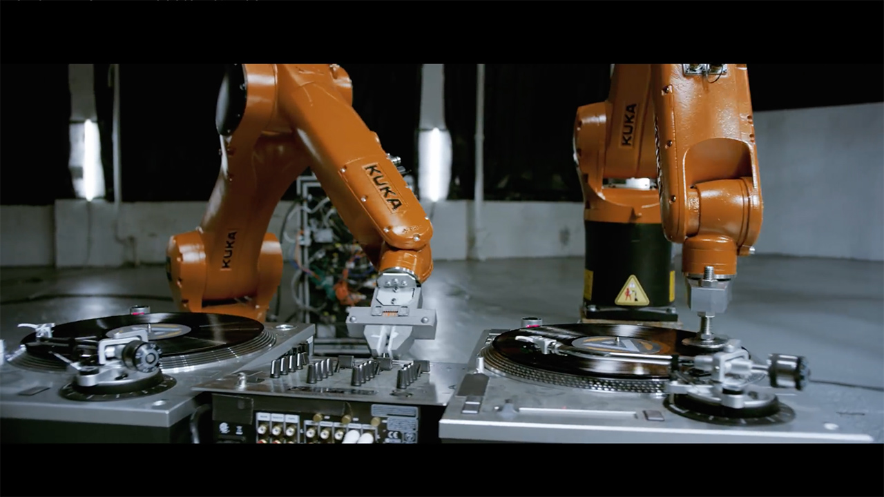 The incredible dexterity of KUKA industrial robots demonstrated in the Automatica music video