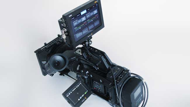 Blackmagic Video Assist 7 12g Hdr Enough Brightness To View It In The Hottest Desert