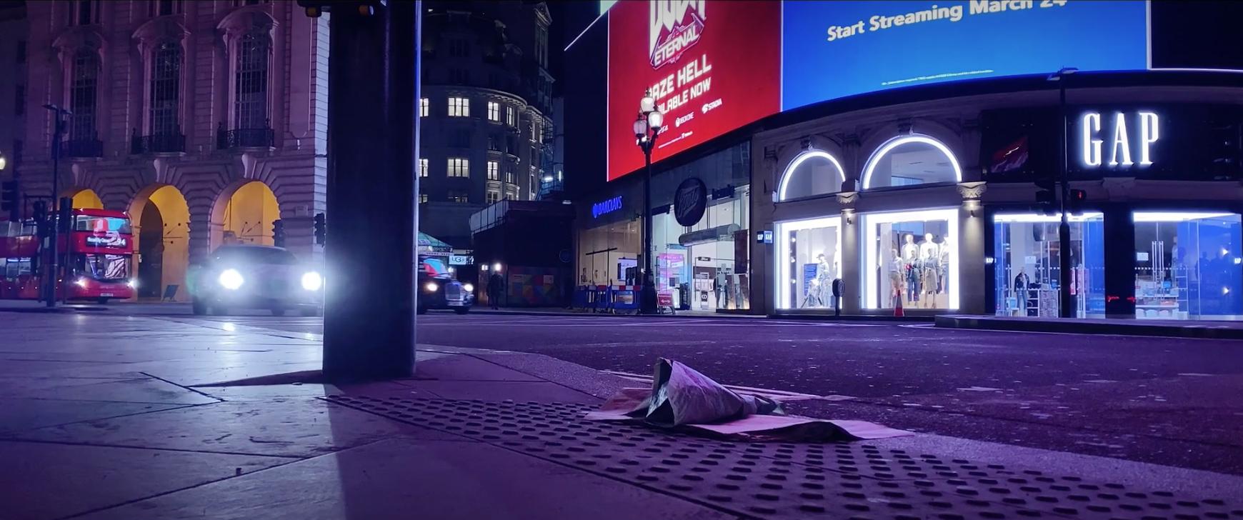 The World Falls Silent mobile filmmaking in London.